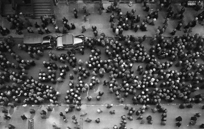 Margaret Bourke-White, Hats in the Garments District